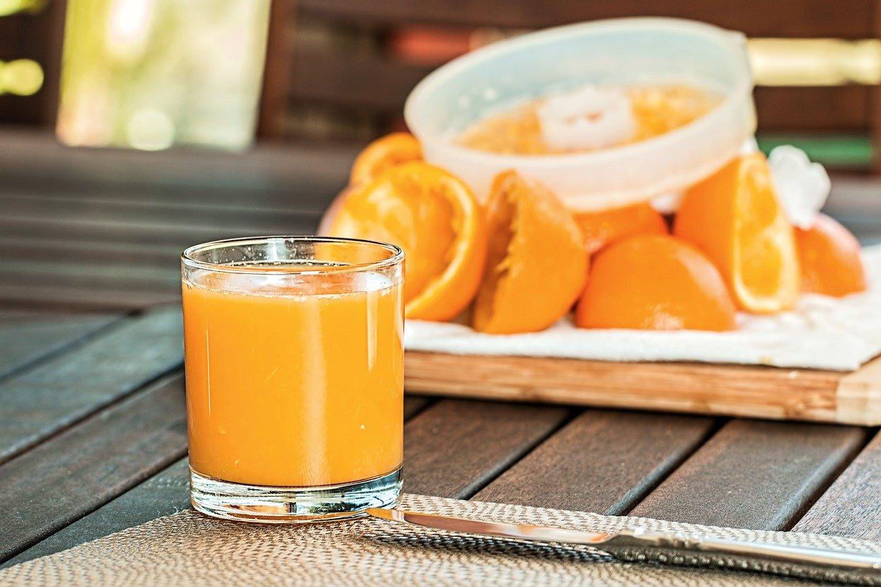 fresh orange juice, squeezed, refreshing-1614822.jpg