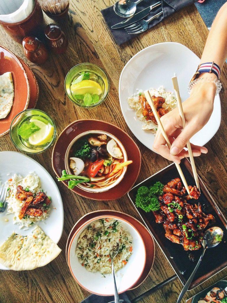 food, dishes, restaurant-1050813.jpg